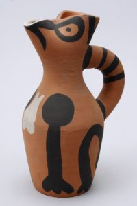 "Pablo Ruiz Picasso (1881, Málaga, Spanien - 1973, Mougins, Frankreich), ""Yan Pitcher"", H: 25,5cm"