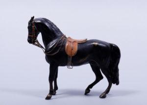 """Franz Xaver Bergmann (1861, Wien - 1936 ebenda), """"Pferd"""", Bronze, patiniert, kalt bemalt, H ca. 18,5cm"""