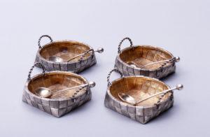 4 höfische Salieren, 84 Zolotnik, Michael und Semen Gratschew, um 1900, 2,5x6x5,5cm, Zuschlag: 1300,-€